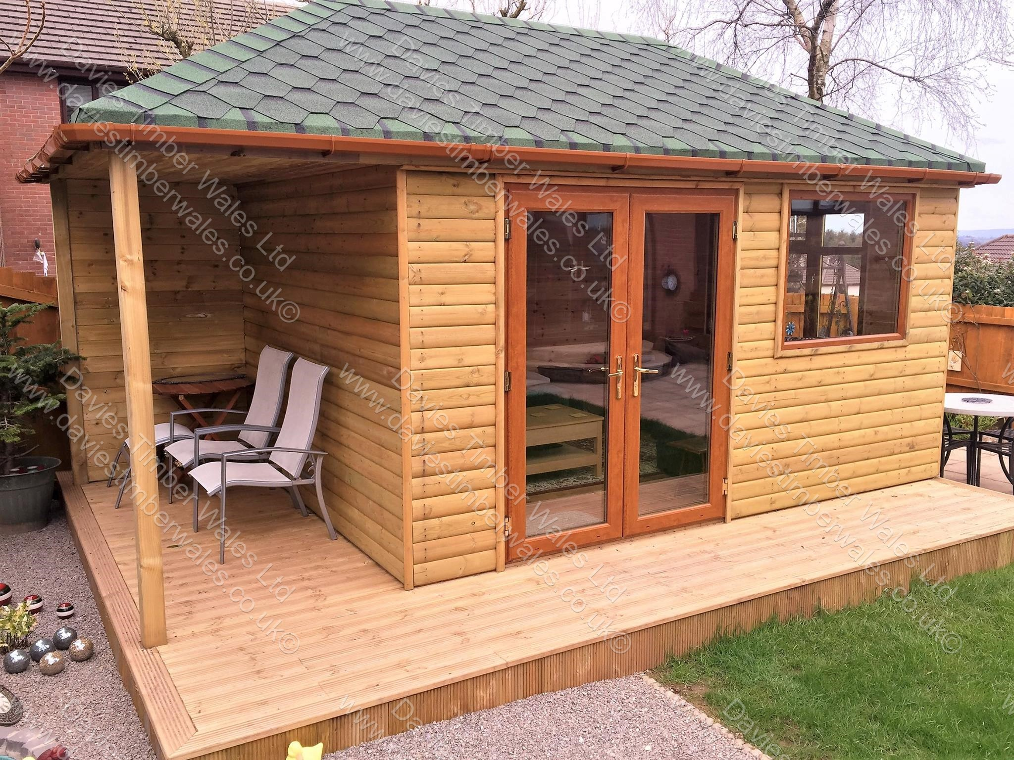 Garden Room, Hip Roof