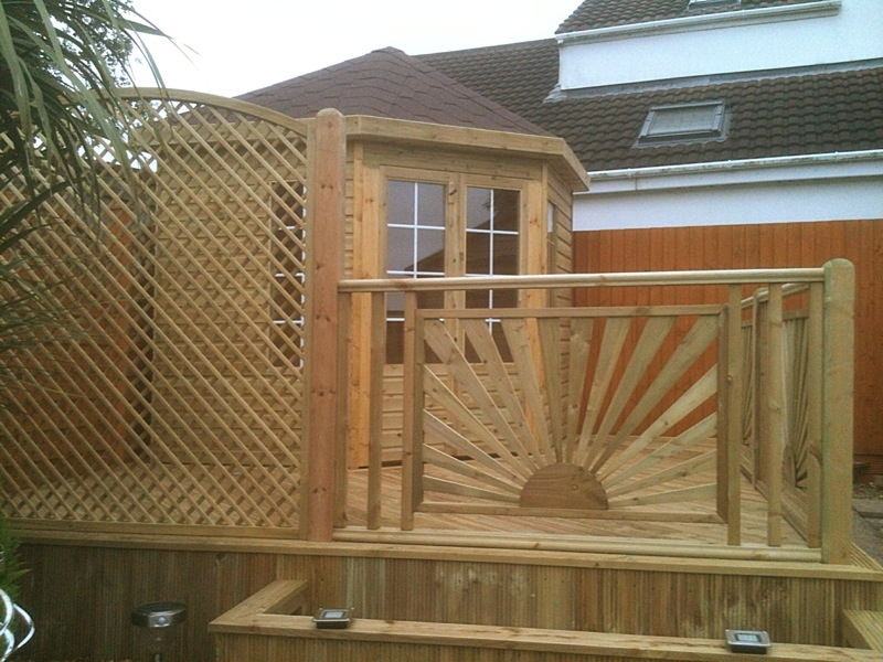 corner summerhouse deck panels