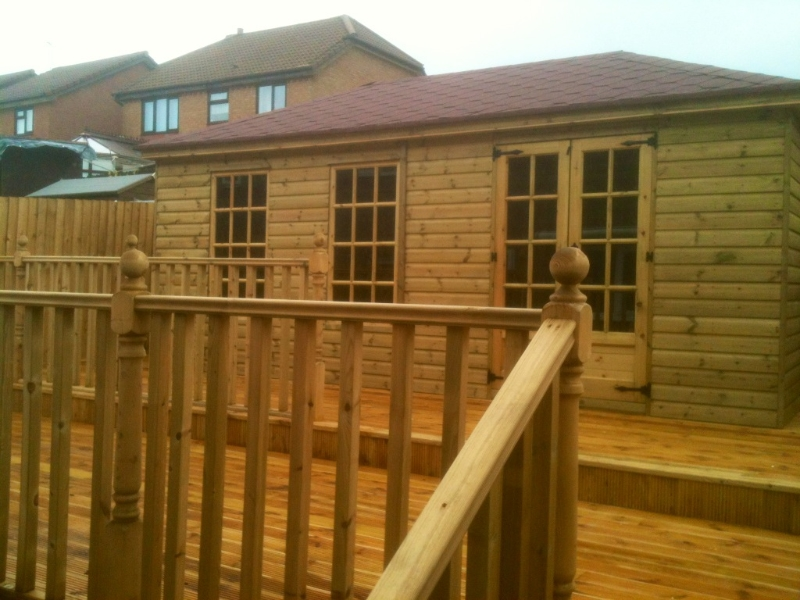 Garden Summer House & Decking
